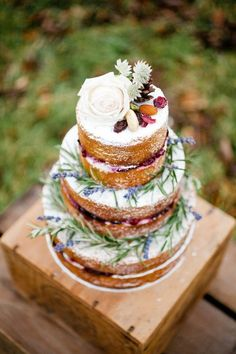 Rustic cake with lavender