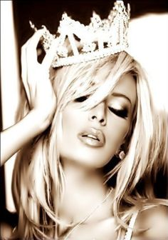 You can call me the top Queen, Biches. Queen Femmey, to you. Thanks in advance :-) Glamour, Invisible Crown, Tiaras And Crowns, Favim, Looks Cool, Girly Girl, Glam Girl, Maybelline, Beautiful People