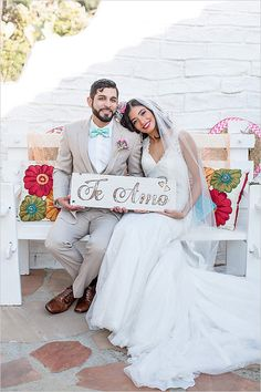 te amo wooden wedding sign @weddingchicks