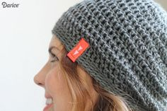 This simple slouch crochet hat pattern is a great pattern for beginners & simple enough that a more experienced crocheter could whip up it up in no time!