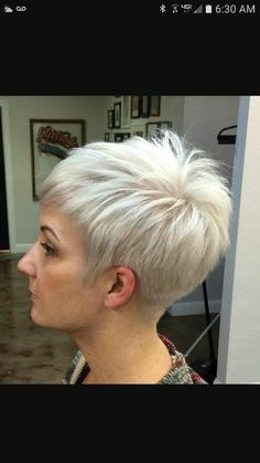 70 Short Shaggy, Spiky, Edgy Pixie Cuts and Hairstyles Silver Blonde Pixie Hairstyle Choppy Pixie Cut, Short Choppy Haircuts, Edgy Pixie Cuts, Choppy Layers, Short Bangs, Haircut Short, Long Pixie, Haircut Styles, Blonde Pixie Cuts