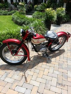 1960+Harley-Davidson+165+Cc.  My 3rd vehicle at 16. Now I was cool.