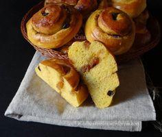 J'ai craqué quand j'ai vu ces escargotsau potimarron ici, et comme j'avais déjà testé et apprécié un pain au potiron (ici) j'ai tout de suite voulu en faire des pains aux …