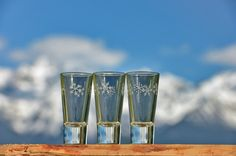 Verrine, tasse à expresso ou verre à liqueur flocon blanc Création : Vagabonde Crédit Photo : JP.Noisillier/nuts.fr