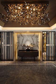Modern Hallway Ideas from the Best Interior Designers Contemporary Interior Design, Luxury Interior Design, Interior Decorating, Interior Ideas, Decoration Entree, Modern Hallway, Lobby Design, Design Hotel, Luxury Furniture