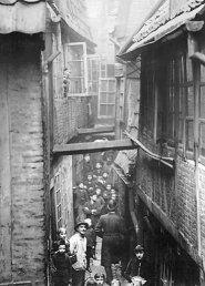 Tod, Armut und andere Katastrophen im Hamburger Gängeviertel. Wie das heutige Kultviertel in seinen Anfängen zu kämpfen hatte.