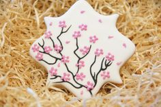 Decorated Cherry Blossom Cookies by SugaryCharm on Etsy Flower Sugar Cookies, Blossom Cookies, Iced Cookies, Royal Icing Cookies, Creative Cake Decorating, Cookie Decorating, Cherry Blossom Party, Cherry Blossoms, Mother Birthday Cake