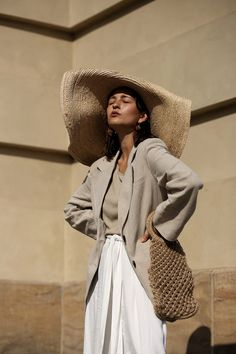 Jacquemus Straw Hat, Anissa Kermiche Earrings and my Elizabeth and James Bag - now up on anaisanais.de
