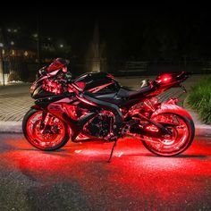 A glossary of essential motorcycle terms and Sound like you know what you're talking about - Ride Free. Cool Sports Cars, Sport Cars, Cool Cars, Motor Sport, Custom Street Bikes, Custom Sport Bikes, Futuristic Motorcycle, Motorcycle Bike, Women Motorcycle