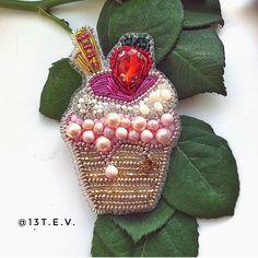 Автор @13.t.e.v 〰〰〰〰〰〰〰〰〰〰〰〰〰〰 По всем вопросам обращайтесь к авторам изделий!!! #ручнаяработа #брошьизбисера #брошьручнойработы #вышивкабисером #мастер #бисер #handmade_prostor #handmadejewelry #brooch #beads #crystal #embroidery #swarovskicrystals #swarovski #купитьброшь #украшенияручнойработы #handmade #handemroidery #брошь #кольеручнойработы #кольеизбисера #браслеты #браслетручнойработы #сутажныеукрашения #сутаж #шибори #полимернаяглина #украшенияизполимернойглины