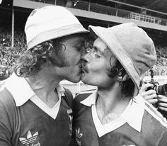 Sealed with a kiss: Ipswich's Kevin Beattie and Mick Mills celebrate beating Arsenal 1-0 in the 1978 FA Cup final  Read more: http://www.dailymail.co.uk/sport/football/article-2290194/Leave-FA-Cup-stop-hijacking-best-ties-glitzy-Premier-League-games-channels.html#ixzz2is5KLckn  Follow us: @MailOnline on Twitter | DailyMail on Facebook