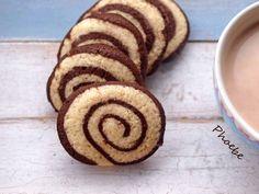 Pinweel #cookies #nostimiesgiaolous Pinwheel Cookies, Pinwheels, Biscotti, Muffin, Sweets, Candy, Chocolate, Breakfast, Desserts