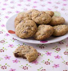 Cookies aux flocons d'avoine, chocolat et noisettes - Recettes de cuisine Ôdélices