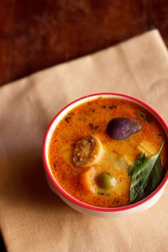 veg thai red curry recipe - made with mix vegetables, thai spices and coconut milk. goes well with steamed rice. vegan and gluten free. step by step recipe.