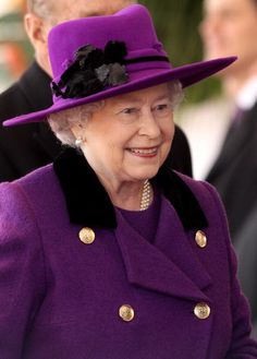 HM Queen Elizabeth II smiles during a ceremonial welcome for South African President Jacob Zumaon Horseguards Parade on March 2010 in London, England. The South African Leader is on a three day. Die Queen, Queen Hat, British Royal Families, Royal Queen, Isabel Ii, Her Majesty The Queen, Prince Phillip, Elisabeth, Queen Of England