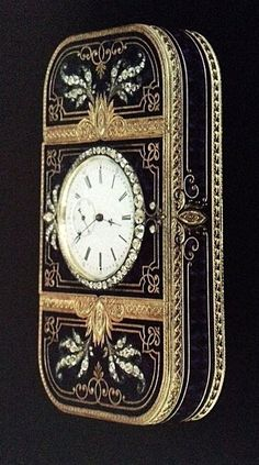 Vintage Watches Collection : Faberge engraved gold box with blue enamel and diamonds and a clock set into the lid. - Watches Topia - Watches: Best Lists, Trends & the Latest Styles Old Clocks, Antique Clocks, Art Nouveau, Objets Antiques, Steampunk, Antique Boxes, Pretty Box, Objet D'art, Casket