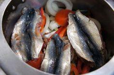 Aprenda a preparar sardinha escabeche com esta excelente e fácil receita. A Sardinha é uma das mais populares fontes de ômega-3. Sérgio Coelho sugere uma receita...