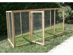 Building A Portable Chicken Coop Most people probably prefer a static chicken coop but there are times where a portable chicken coop is necessary. For example, you may need to move the coop to different parts of your property throu Building A Chicken Run, Walk In Chicken Coop, Easy Chicken Coop, Diy Chicken Coop Plans, Portable Chicken Coop, Chicken Cages, Chicken Coop Designs, Backyard Chicken Coops, Chicken Runs