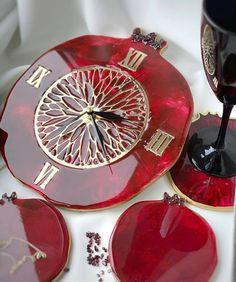 "@lavka.craft: ""Часы гранатовые от @anasta_cha_art . . #lavkacraft #handmade #хобби #хендмейд #вдохновение…"" Epoxy Resin Art, Diy Resin Art, Resin Molds, Resin Crafts, Diy Crafts, Wire Jewelry Designs, Clock Art, Traditional Art, Craft Gifts"