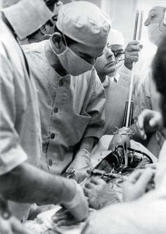 historicaltimes: In 1966 the young Christiaan Barnard performs a heart transplant operation on a dog to prove that heart transplantation is possible. One year later he will successfully transplant a human heart for the first time in human history. Christiaan Barnard, Heart Transplantation, Human Heart, African History, Animal Quotes, First World, First Time, The One, South Africa