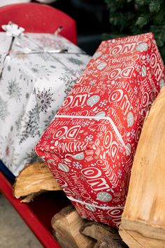 We have a wide range of different types of wrapping papers for all themes and ages Wrapping Papers, Gift Wrapping, All Themes, Christmas 2019, Festive, Wraps, Range, How To Make, Gift Wrapping Paper