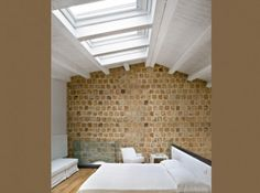 exposed brick wall and white wood ceiling Loft Conversion Extension, Loft Conversion Design, Attic Conversion, Loft Conversions, Attic Design, Loft Design, Interior Design, Attic Loft, Bedroom Loft