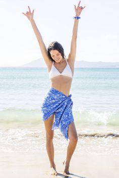 sarong * sarong wrap * sarong skirt * sarong dress * sarong tying * sarong wrap beach cover * sarong outfit * beach sarong * beach sarong outfit * beach sarong swimsuit cover * beach sarong skirt * beach sarong diy * beach sarong wrap * beach pareo * beach pareo summer * beach pareo dress * beach pareo skirt * beach pareo outfit * beach pareo swimwear * cotton sarong * summer outfit * beach outfit * tropical sarong * tropical sarong skirt * sarong wrap tropical * tropical print sarong Sarong Skirt, Sarong Wrap, Beach Wear Dresses, Dress Beach, Sarong Tying, Beach Wrap Skirt, Outfit Combinations, Printed Cotton, Beachwear