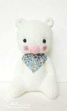 #Handmade #Dolls #handmadedolls #핸드메이드 #핸드메이드인형 #수제인형 #인형 #dollface #인형표정 #양말인형 #socksdoll #socks #doll #dollmaking #인형얼굴 #양말공예 #곰돌이 #곰 #곰인형 #하얀곰
