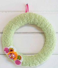 Finger knit wreath f