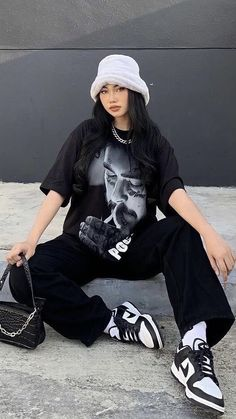Baddie Outfits Casual, Swag Outfits, Mode Outfits, Cute Casual Outfits, Tomboy Fashion, Teen Fashion Outfits, Streetwear Fashion, Cute Vintage Outfits, Retro Outfits