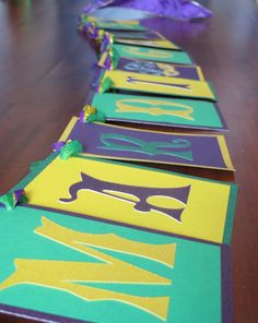 Mardi Gras banner - Yeah! I made that! Madi Gras Party, Mardi Gras Float, Mardi Grad, Dance Themes, Mardi Gras Decorations, Masquerade Party, Graduation Theme, Happy Birthday Banners, Prom Party