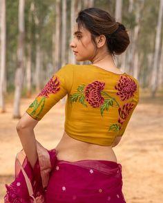 Blouse Back Neck Designs, Fancy Blouse Designs, Bridal Blouse Designs, Simple Kurta Designs, Pattu Saree Blouse Designs, Unique Clothes For Women, Saree Look, Stylish Girl Images, Thing 1
