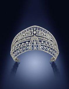 The impressive 'double diamond' Ansorena tiara, two tiaras in one, the top with a meander motif, the lower with lattice motifs.Owned by Esperanza, Condessa de Villagonzalo. On sale at Bonahm's 26 September Belle Epoque, Royal Tiaras, Tiaras And Crowns, Diamond Tiara, Diamond Jewelry, Art Deco Jewelry, Vintage Jewelry, Antique Jewellery, Royal Jewelry