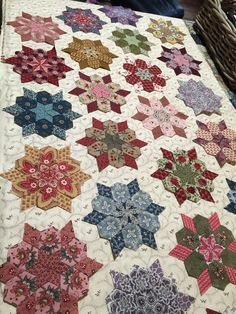 That's a WOW!! Bargello Quilts, Scrappy Quilts, Propagate Succulents, Hanging Quilts, Millefiori Quilts, Foundation Paper Piecing, Hexagon Quilt, English Paper Piecing, Quilt Stitching