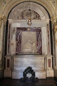 Dante's mausoleum Interior
