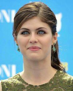 10 Most Beautiful Women, Most Beautiful Faces, Beautiful Girl Image, Beautiful Celebrities, Beautiful Eyes, Beauty Full Girl, Beauty Women, Alexandra Daddario Images, Beautiful Blonde Girl