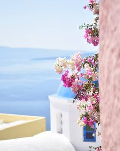 Oia Santorini Greece by www. Oia Santorini Greece, Santorini House, Santorini Island, Greece Wallpaper, Places To Travel, Places To Go, Greece Photography, Photos Voyages, Travel Aesthetic