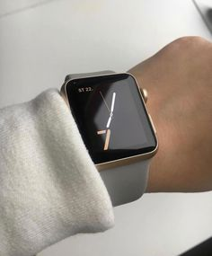 Surprising Apple Watch Ideas That Could Change Your Life Style - After months of hinting at the launch, Apple has finally started and is wanting to lead the fight for your wrist with its very own smartwatch. As expe. Apple Watch Band, Gold Apple Watch, Apple Watch Faces, Apple Watch Series 1, Watch Bands, Smart Watch Apple, Apple Watches For Women, Watches For Men, Bracelet Hermès