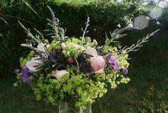 Spring Bouquet, Bouquets, Garden Sculpture, Outdoor Decor, Plants, Bouquet, Flora, Plant, Nosegay