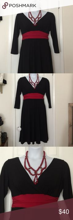 🆕listing 🌹sexy comfy stretchy dress Maggie L black dress with red accent size 14 like new. 95% polyester / 5% spandex Dresses Long Sleeve