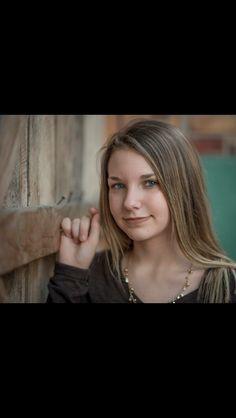 Teenage girl photo shoot pose