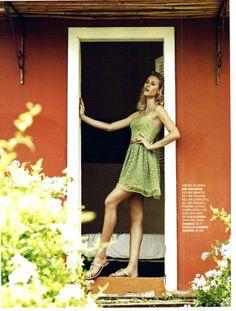 Ensaio com a top Alicia Zuckman para a @Marie Claire Brasil. Rasteira CS! #lovecs #csnamidia #hot #carmensteffens