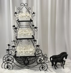 3 Tier Carriage White Wedding Cake... Just thought this was a nifty cake stand