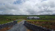 Little House in Western Ireland [3264x1836]