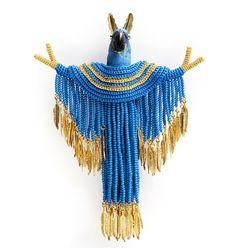256 отметок «Нравится», 3 комментариев — Amador & Leo (@klimt02net) в Instagram: «Felieke van der Leest. #Brooch: Peace Parrot, 2010. Textile, plastic animal, gold, gold-plated…»