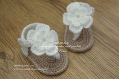 Crochet baby sandals, baby gladiator sandals, baby booties, baby shoes, white, tan, READY TO SHIP, size newborn, 0-3 months