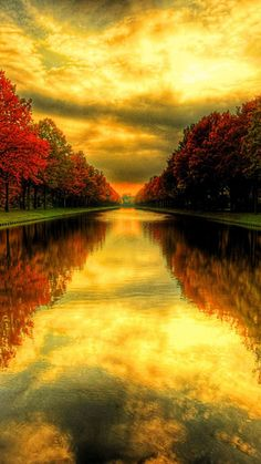 Find the best Fall Wallpaper and Screensavers on GetWallpapers. We have background pictures for you! Wallpaper Paisajes, Beautiful World, Beautiful Places, Cool Pictures, Beautiful Pictures, Fall Wallpaper, Mobile Wallpaper, All Nature, Samsung Galaxy S4
