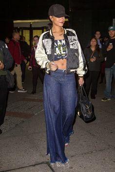Elle's Fashion Boudoir : Rihanna Flares Up