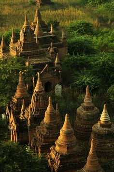 Pagodas in Bagan, Myanmar_HXT1604 | Huang Xin | Flickr
