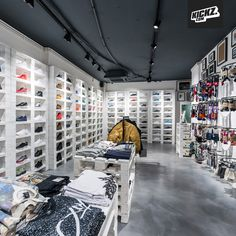 KICKZ Tal was recently refurbished and now sports a very clean and bright look.